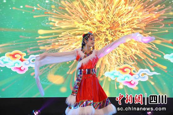 """""""2019熊猫走世界・美丽四川""""亮相东南亚_多方位释放四川文旅魅力"""