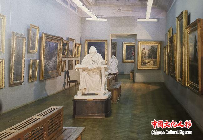 大美至纯――韩玉臣西藏题材油画展在乌克兰基辅国立美术馆举办